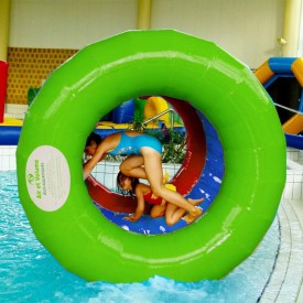 Jeu Aquatique Gonflable pour piscine : Rouleau Coloré