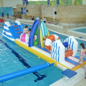 Structure Gonflable Aquatique pour piscine : Parcours Plage